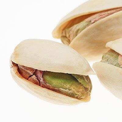 eat pistachios as a snack