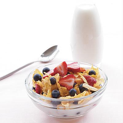 cereal-milk-berries
