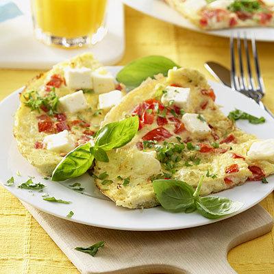 omlete-cheese-tomatoes