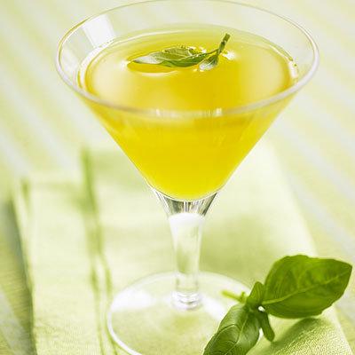 light-mango-cocktail