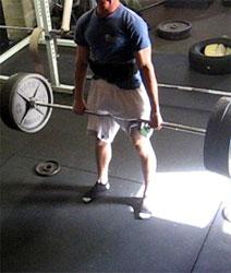 deadlifts-heavy-gym