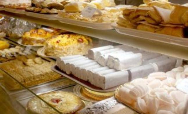 pastries_558126592_detail.jpg